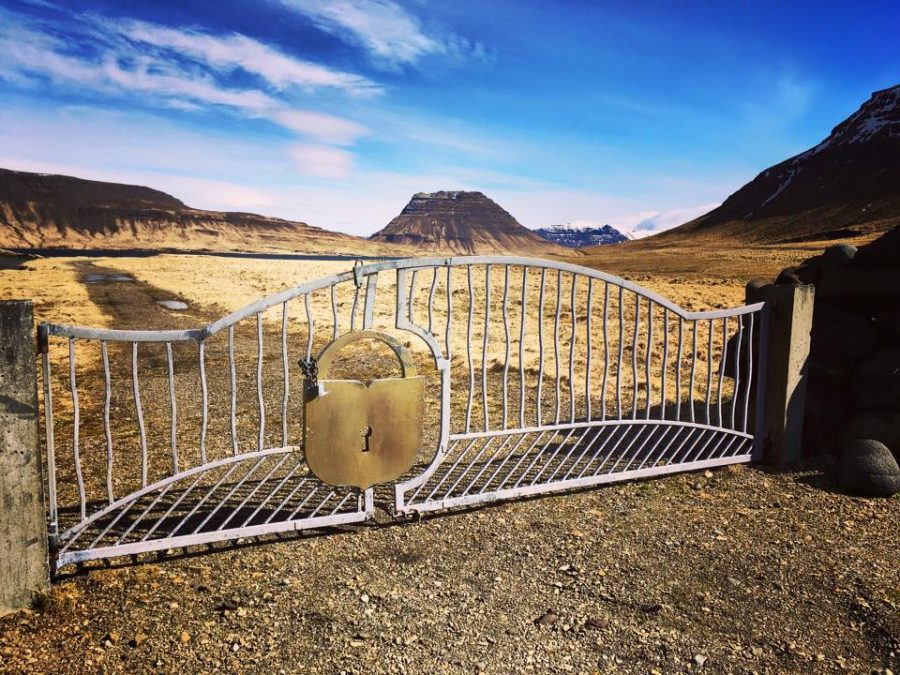 Locked gate as a metaphor for security of information